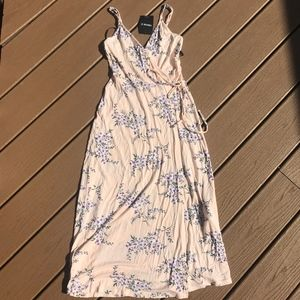 NWT F21 Floral Wrap Dress Sz S
